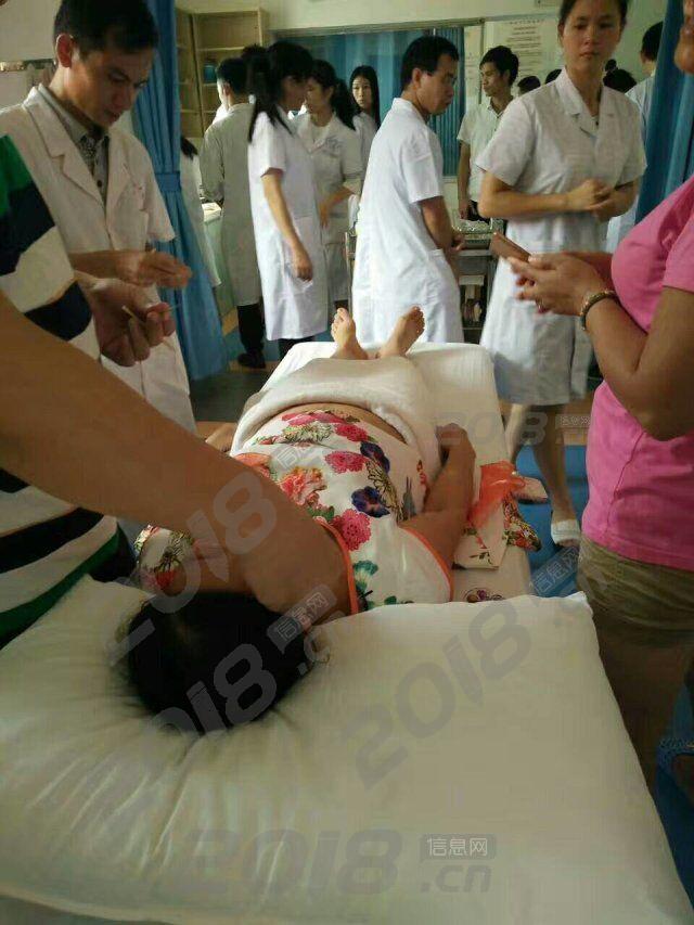 云南迪庆针灸火针培训技能老师教得好学员学到中医下针本领