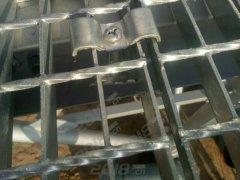 提炼厂车间热浸锌踏步板生产厂家
