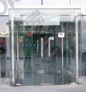 上海专业地弹簧门维修安装 玻璃门夹子 玻璃门拉手安装