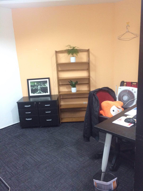 自带企业一条龙服务的办公间,15至300平多种选择。