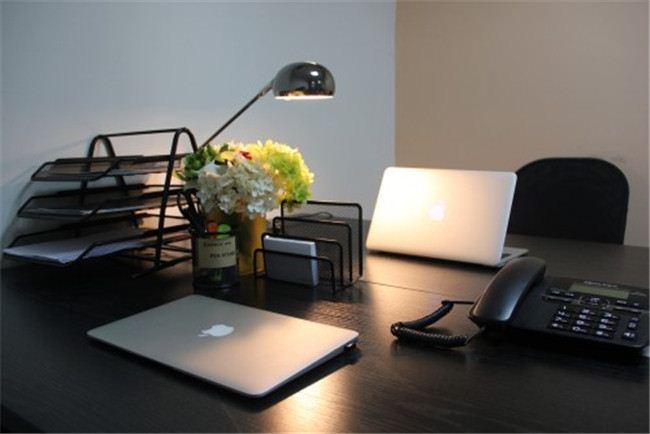 奢华办公间,带2个经理室,106平拎包入驻。