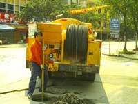 大型环卫吸粪车清理大小化粪池、化油池、污水池、工业废水池