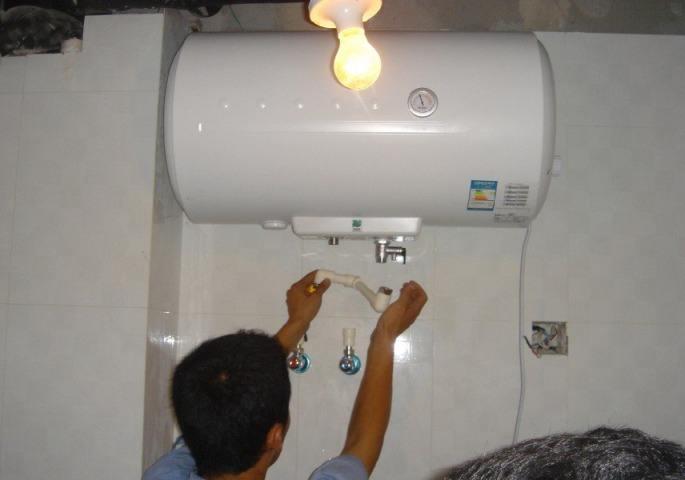 康泉热水器全国专业维修售后服务网点全市上门价格透明