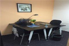 2000/年,10*4h/月临时工位+3h/月会议室。