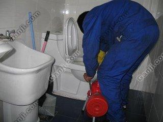 太原万柏林专业疏通马桶下水道找刘师傅我们更专业